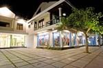 Отель Zaen Hotel Syariah