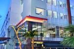 Отель Hotel Neo Candi Semarang