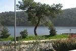Отель Chalet de Vacances au Lac de Guerlédan