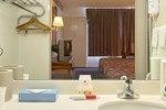 Отель Knights Inn Verona Staunton