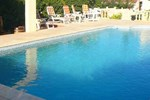 Гостевой дом Sunny apartment with terrace overlooking countryside and fantastic pool