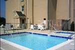 Отель Microtel Inn & Suites Claremore