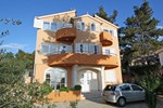 Апартаменты Apartment Brodarica Žabori? 1