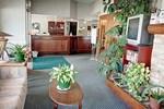 Отель Sandman Inn Mcbride
