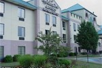 Отель Holiday Inn Express Hotel & Suites MADISON