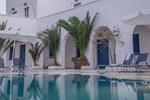 Отель Monolithos