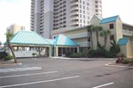 Отель Days Inn Pensacola Beachfront