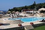 Отель Hotel Mikros Paradisos