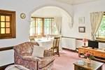 Отель Honey Bee Cottage