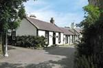 Отель Kirkside Cottage