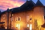 Отель Château Des Comtes De Challes