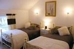 Отель Fawnlea Cottage