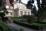 Гостевой дом Dwór Sześć Dębów