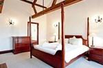 Отель Woodpecker Barn