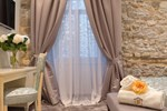 Antique Split Luxury Rooms