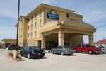 Отель Days Inn and Suites Russelville