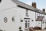 Отель Bryn Euryn Cottage