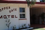 Отель Copper Gate Motel