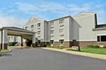 Отель Comfort Inn & Suites Butler