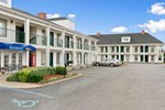 Отель Baymont Inn and Suites - Forest City