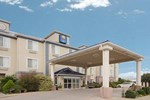 Отель Comfort Inn & Suites Near Cleburne Conference Center