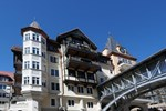 Отель Arrabelle at Vail Square by Berkshire Hathaway HomeServices