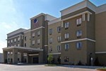 Отель Comfort Suites Near Northeast Mall