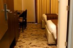 Отель Golden Tulip Hotel De Ville