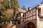 Мини-отель Tudor Inn Gatlinburg B&B