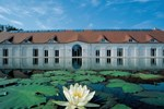 Отель Hotel Schloss Neuhardenberg
