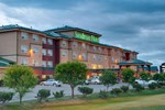 Отель Sandman Hotel Quesnel