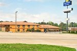 Отель Days Inn and Suites Marshall