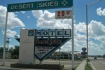 Отель Desert Skies Motel