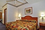 Econo Lodge Inn & Suites - Albany