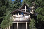Отель Tahoe Donner Cabin with Alpine Views and Hot Tub
