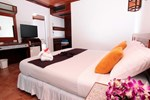 Отель Coral Island Resort
