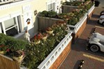 Отель Dover Garden Suites