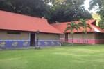 Отель Camp Santa Cruz