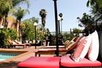 Отель Hotel Le Reve Pasadena