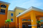 Отель La Quinta Inn & Suites Jourdanton