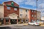 Отель Crestwood Suites of Denver - Aurora