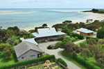 Отель Beachside Retreat West Inlet