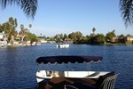 Luxury 4-Bedroom Lakefront Villa with Boat near Laguna Beach and Irvine