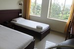 Отель Lals Residency