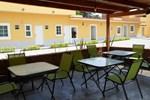 Отель Hotel Montroi City