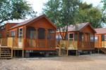 Апартаменты Rustic Creek Ranch Resort at North Jellystone Park