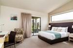 Отель Quality Suites D'Olive