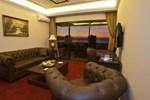 Отель Queens Land Hotel