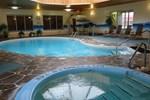Отель Canway Inn & Suites