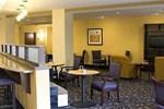 Отель Comfort Suites Manchester
